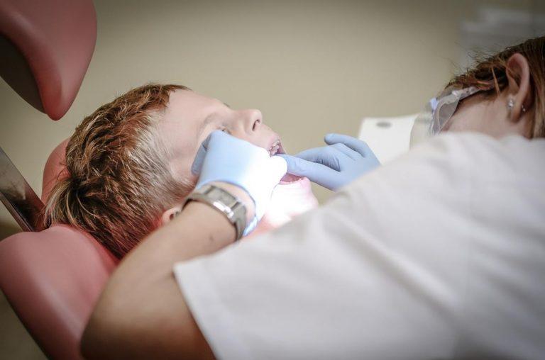 Jakie są ceny bardzo dobrych aparatów ortodontycznych?